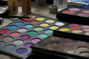 MOsDJ makeup color